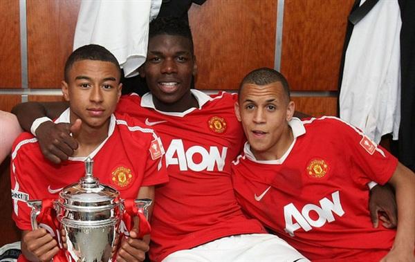 Wayne Rooney nói rằng Morrison (phải) 'xuất sắc hơn Paul Pogba cả dặm đường'. Ảnh: Getty Images