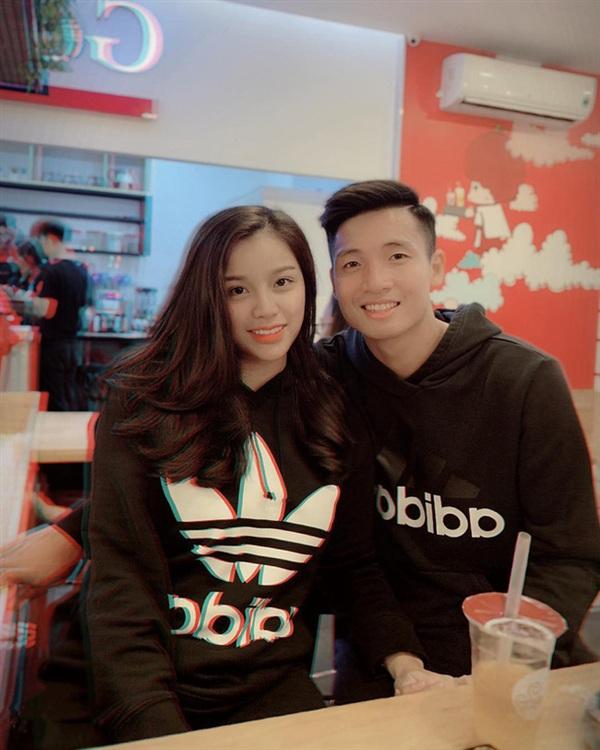 Tin đồn hôn nhân của Bùi Tiến Dũng và Khánh Linh gặp trục trặc khiến cư dân mạng khá bất ngờ.