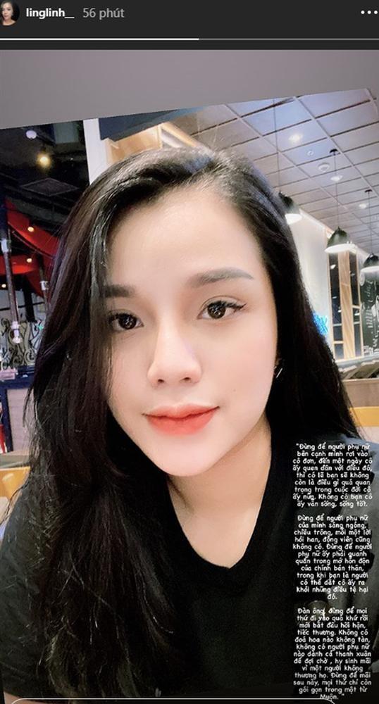 Status lạ của Khánh Linh.