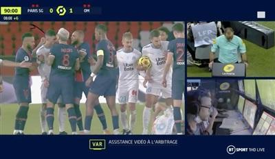VAR phát hiện Neymar đánh vào sau đầu Alvaro Gonzalez