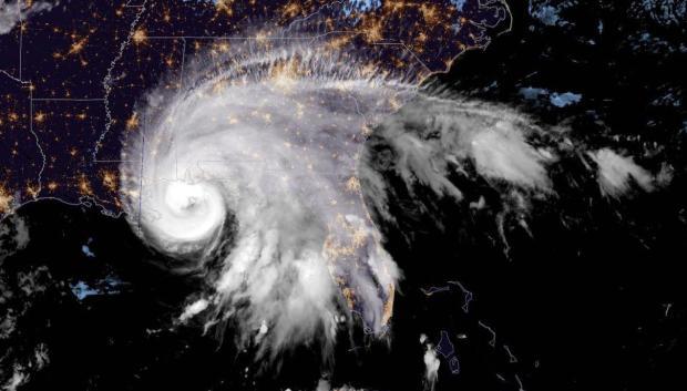 Bão Sally khuấy đảo Vịnh Mexico trong ảnh vệ tinh do NOAA công bố vào tối ngày 15/9/2020.