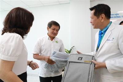Lãnh đạo Bệnh viện Nhi Đồng Thành phố tạo điều kiện cho ông Đoàn Ngọc Hải làm việc thiện