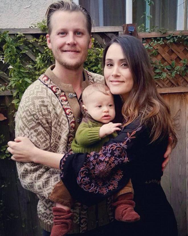 David Hoflin hạnh phúc cùng vợ con