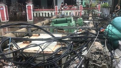 Theo công ty điện lực Thừa Thiên - Huế, cơn bão số 5 đã làm thiệt hại hệ thống điện rất nhiều