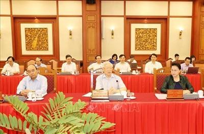 Tổng Bí thư, Chủ tịch nước đề nghị Ban Thường vụ Thành ủy Hà Nội tiếp thu tối đa các ý kiến đóng góp của Bộ Chính trị, hoàn chỉnh dự thảo các văn kiện, chuẩn bị thật tốt và tổ chức Đại hội Đảng bộTP