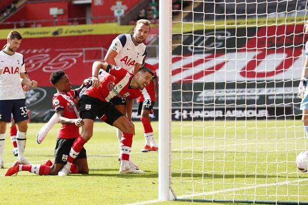 Kane cũng có ngày thi đấu tuyệt vời khi có đến 4 đường kiến tạo thành công và 1 bàn thắng. (Nguồn: Reuters)