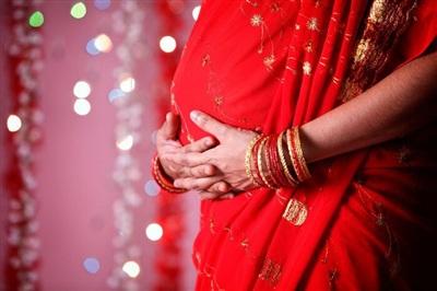 Người đàn ông rạch bụng vợ để xem có đang mang thai con trai hay không.