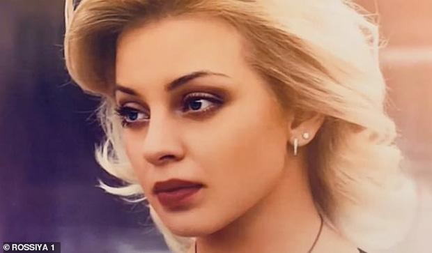 Chân dung nữ vũ công xinh đẹp Olga Demina.
