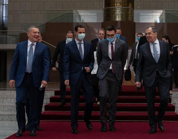 Một phái đoàn Nga bao gồm Phó Thủ tướng Yuri Borisov và Ngoại trưởng Sergey Lavroi gặp Tổng thống Syria Bashar al-Assad trong chuyến thăm Damascus vào ngày 7/9/2020.