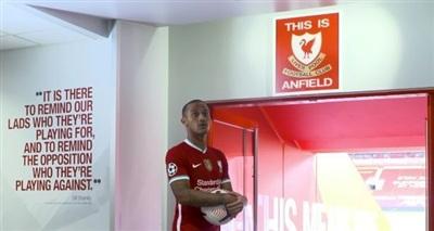 Thiago không sờ vào biểu tượng sân Anfield trong ngày ra mắt Liverpool