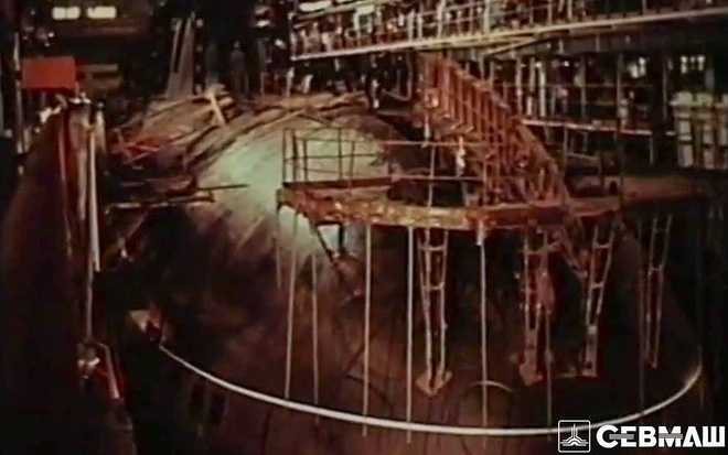 Quá trình sản xuất chiếc tàu ngầm nguyên tử 'Báo tuyết' – Bars tại phân xưởng của Sevmash. Ảnh: Sevmash
