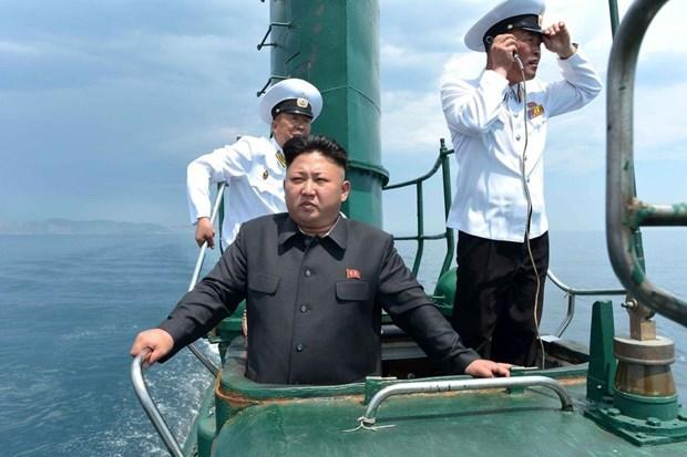Chủ tịch Triều Tiên Kim Jong-un trong một chuyến thị sát đơn vị tiền tuyến. (Ảnh: The National Interest).