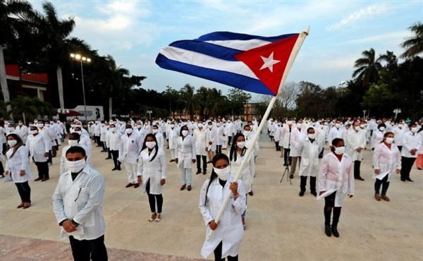 Đoàn bác sĩ quốc tế Cuba được đề cử giải Nobel Hòa bình. (Nguồn: Getty)