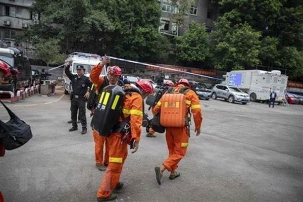 Lực lượng cứu hộ được triển khai tới hiện trường. Ảnh: Tân Hoa xã