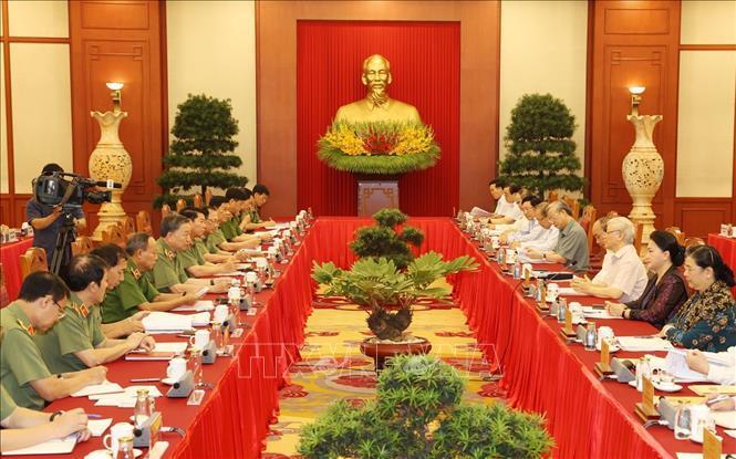Tổng Bí thư, Chủ tịch nước Nguyễn Phú Trọng chủ trì cuộc làm việc của tập thể Bộ Chính trị với Ban Thường vụ Đảng uỷ Công an Trung ương ngày 21/9. Ảnh: TTXVN