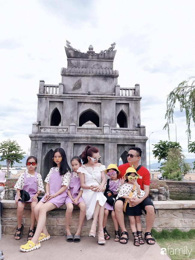 Vợ chồng chị Kiều Vân kết hôn được 16 năm và có 6 cô con gái.