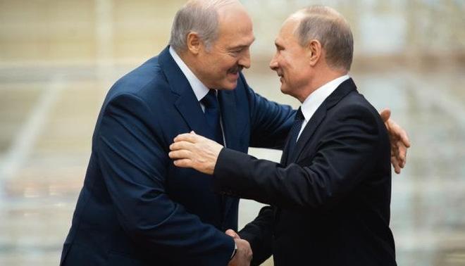 Tổng thống Lukashenko và Tổng thống Nga Putin xích lại gần nhau hơn.