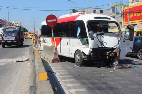 Hiện trường vụ tai nạn giao thông nghiêm trọng.