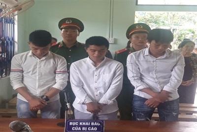 3 bị cáo trong phiên tòa sơ thẩm