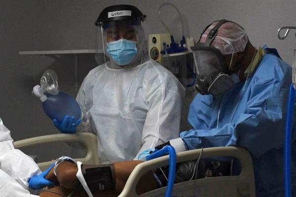 Ca nhiễm COVID-19 ở Nga tăng vọt. Ảnh: AP