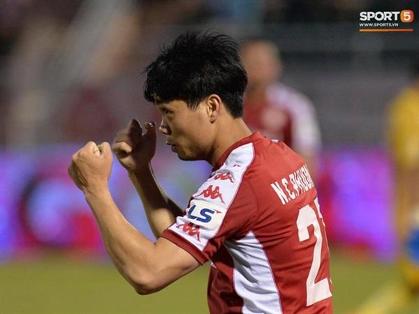 Công Phượng nhận thẻ vàng thứ hai tại V.League 2020 trong chiến thắng 5-1 của CLB TP.HCM trước Nam Định tại vòng 12 (Ảnh: Đỗ Linh)