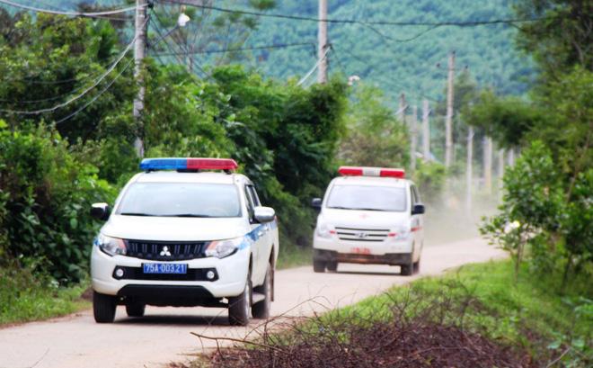 Xe đưa thi thể 13 nạn nhân gặp nạn ở Tiểu khu 67 trở về. Ảnh: báo Thừa Thiên Huế