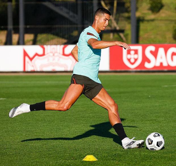 Ronaldo hy vọng có thể trở lại thi đấu vào cuối tháng này