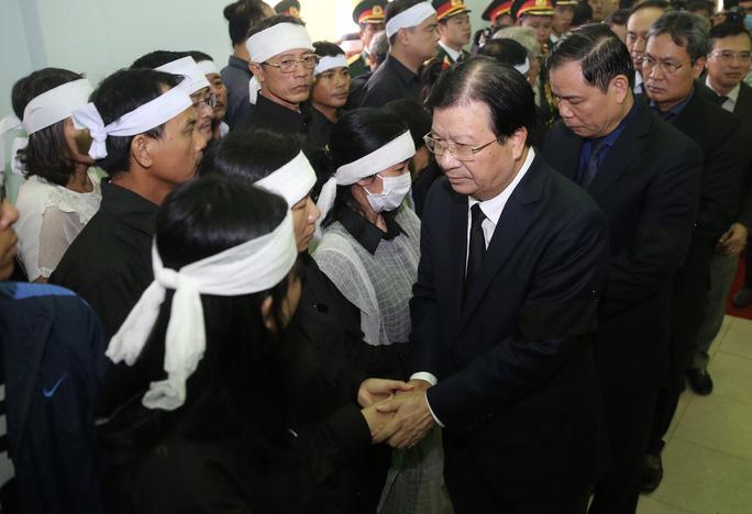 Phó Thủ tướng Trịnh Đình Dũng chia buồn
