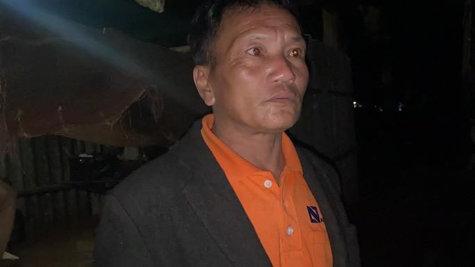 Ông Hồ Văn Chiến, 48 tuổi, lo sợ khi trong buổi chiều nghe tiếng nổ lần 2.
