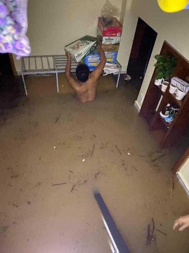 Tình hình ngập lụt nghiêm trọng ở miền Trung