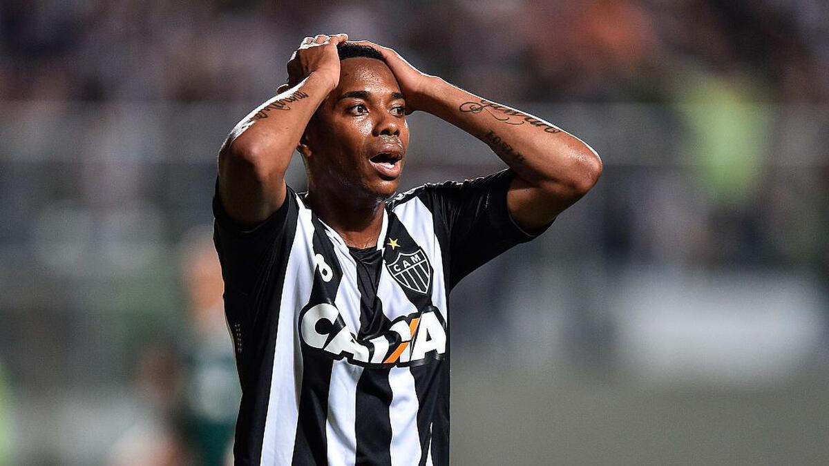 Robinho vỡ mộng khoác áo Santos lần thứ 4 (Ảnh: Getty)