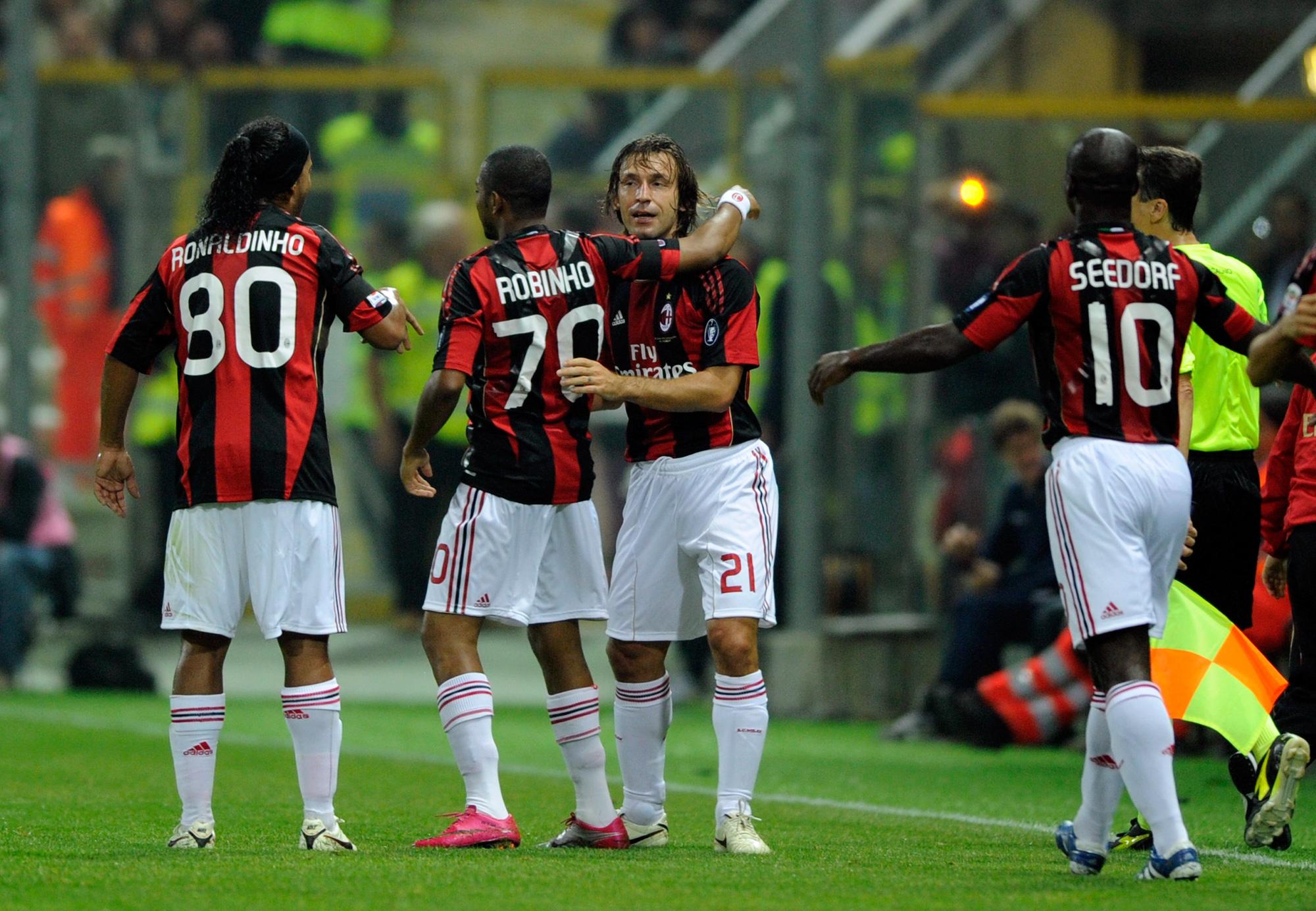 Robinho thời chơi cho Milan, bên cạnh Ronaldinho, Andrea Pirlo và Seedorf (Ảnh: Getty)