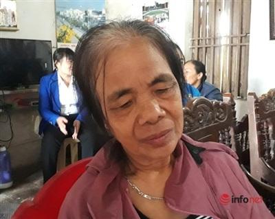 Bà Trần Thị Tươi nghẹn ngào khi không còn được nghe tiếng con gọi mẹ, dù chỉ là trong những cuộc điện thoại vội vàng.