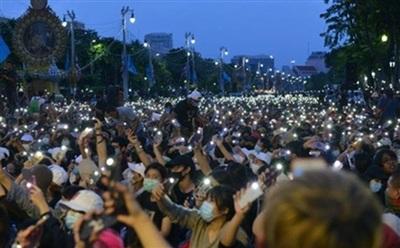 Người biểu tình xuống đường ở Bangkok. Ảnh: RM