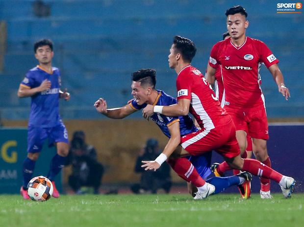 Quế Ngọc Hải bị trợ lý HLV tuyển Việt Nam dọa đánh vì chơi xấu đàn em