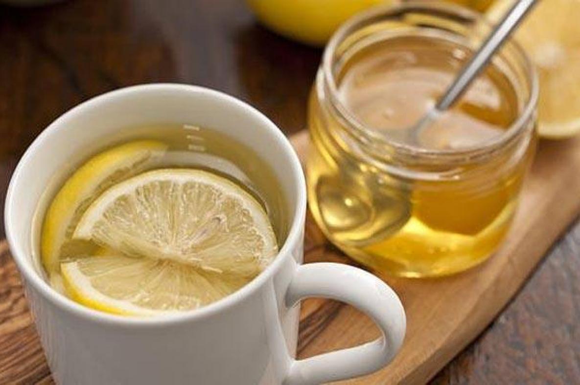 Chanh mật ong là thức uống bổ dưỡng, nổi tiếng với các công dụng cho sức khỏe và làm đẹp.