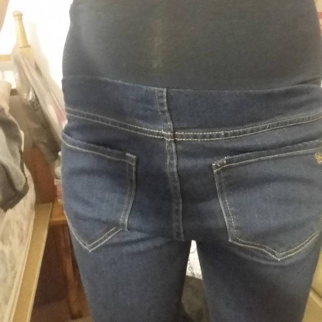 Đừng hỏi vì sao mặc quần cứ tụt hoài.