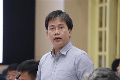 TS Mai Văn Khiêm.