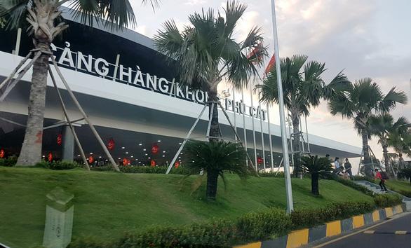 Phù Cát là 1 trong 6 sân bay phải đóng cửa do ảnh hưởng bão số 9 (Ảnh: TUẤN PHÙNG)