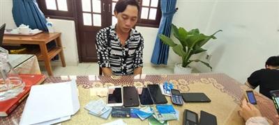 Nguyễn Văn Phúc tại cơ quan điều tra - Ảnh: TTO