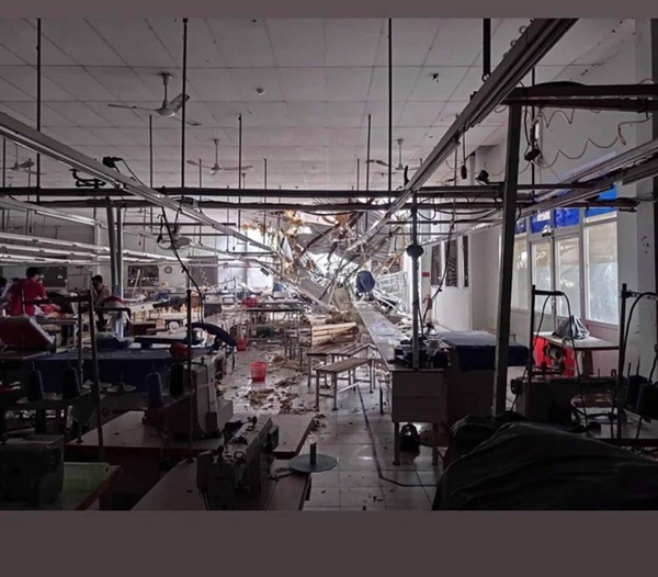 Hiện trường xưởng may Vinatex bị 2 hộp điều hoà từ toà nhà FHome rơi trúng.