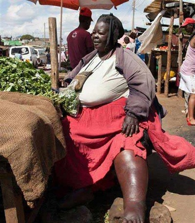 Người phụ nữ này đã trải qua 6 lần sinh nở, nặng 300kg vẫn được xem là 'đệ nhất mỹ nhân' khiến đàn ông mê mệt.