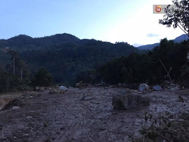 Hiện trường vụ sạt lở kinh hoàng tại xã Trà Leng