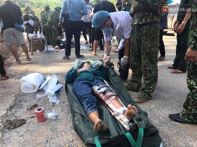 Những người bị thương nhanh chóng được sơ cứu