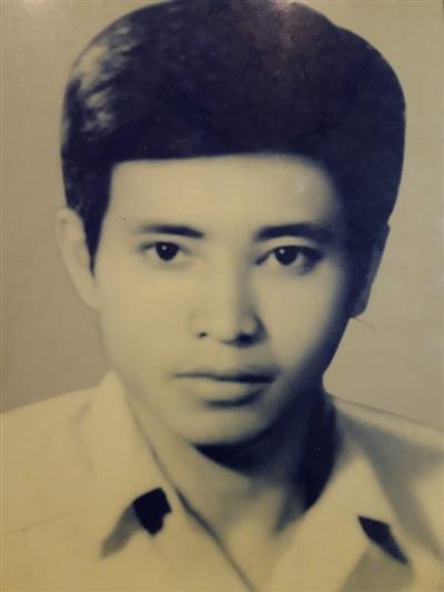 Tác giả Nguyễn Đức Mạnh - Cựu chiến binh Sư đoàn bộ binh 308 ngày trở lại trường Đại học Sư phạm tiếp tục học tập, tháng 8/1973.