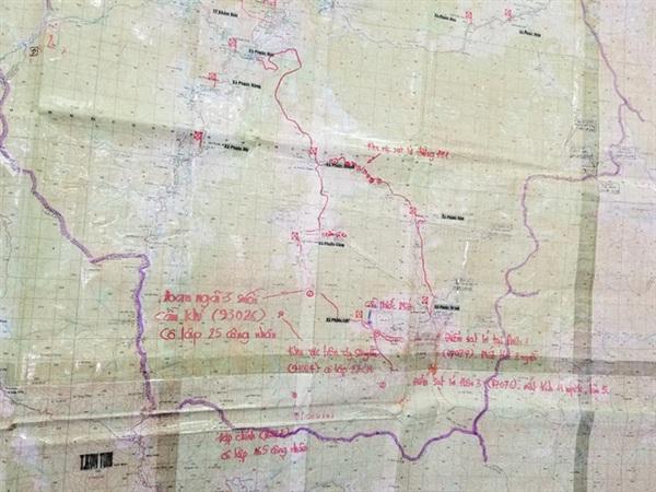 Các khu vực bị sạt lở, cô lập trên bản đồ. Ảnh: CÔNG CHÍN/Báo Quảng Nam