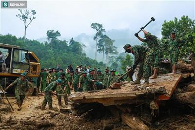 Hơn 500 cán bộ chiến sĩ của nhiều đơn vị như công binh, lính cứu hoả, công an,...đang nỗ lực tìm kiếm số nạn nhân mất tích còn lại trong 2 ngày qua tại Trà Leng.