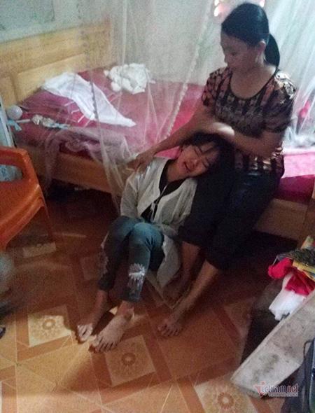 Người vợ trẻ khóc ngất vì mất chồng và anh trai