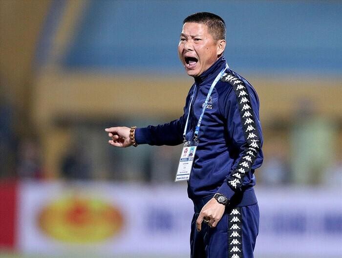 Văng tục và chửi bậy, HLV Chu Đình Nghiêm bị cấm chỉ đạo ở trận cuối V.League 2020. Ảnh: H.A