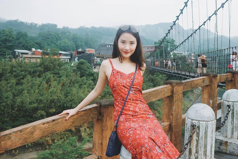 Hot girl Primmy Trương tốt nghiệp ngành Thương Mại, Đại học Quốc tế RMIT Việt Nam. Hiện cô giữ vị trí quản lý tài chính tại trường do mẹ làm hiệu trưởng.